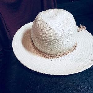 Fedora hat that folds into place make it your own